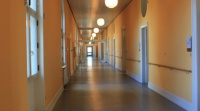 Er du træt af at se på hospitalsgangene? Tag et semester i udlandet